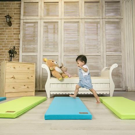 【Mang Mang】小鹿蔓蔓-兒童4cm防護地墊/床邊墊(單片)