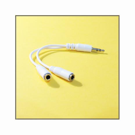 超實用一對二通用型音源線(iPhone 5S/5C/5,iPad 4,iPad mini等各式3.5mm耳機孔皆適用)