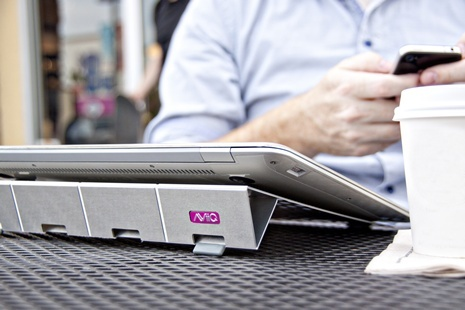 AViiQ 可攜式筆記型電腦 可攜帶式 散熱立架(鈦金款)