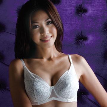 【華歌爾】優雅蕾絲全罩式胸罩 AB罩杯