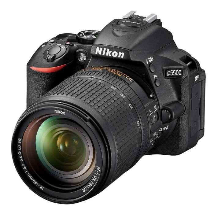 【*副廠電池+副廠充電器+清潔組+保護貼+讀卡機*】Nikon D5500+18-140mm (*公司貨*)