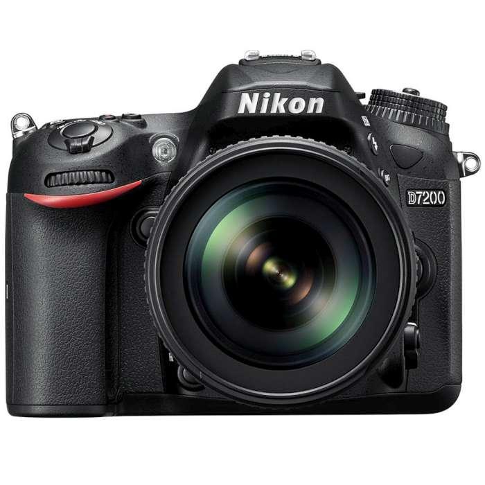 Nikon D7200 18-140 kit組(*公司貨*)-送清潔組+保護貼+讀卡機+專用電池+專用充電器+手機自拍架+相機背帶