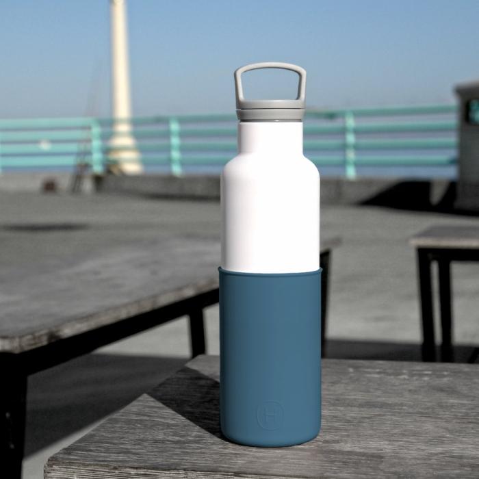 【美國HYDY】時尚保溫水瓶-白瓶+海軍藍矽膠套