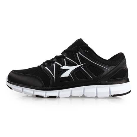 【DIADORA】女慢跑鞋-訓練 健身 路跑 黑白23