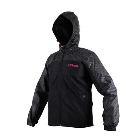 【FIRESTAR】女防潑水連帽外套-立領 慢跑 路跑 風衣外套 黑桃紅XL