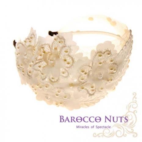【Barocco Nuts】[造型搭配] 髮飾系列:寬版-側邊珍珠花葉-白網紗髮箍(鑲嵌珍珠/蕾絲花簇/髮片/晶鑽/派對/韓風/BLING/流行/名媛/氣質/甜美)
