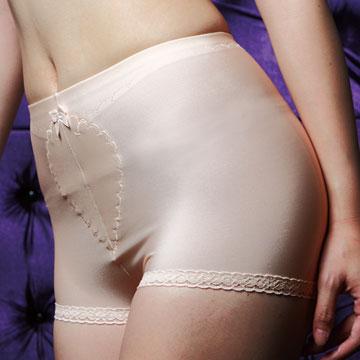 【華歌爾】中腰平口無痕修飾褲 (64-82號/溫柔膚)