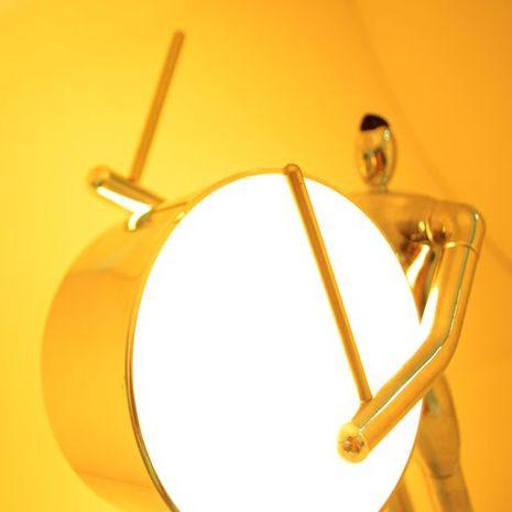 Man2Max《邁向勝利》LED節能桌燈/氣氛燈.鋁合金創意造型,可互動且富意義*送禮首選