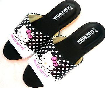 (e鞋院)HELLO KITTY(圓點點) 室內皮拖鞋(親子拖) ~黑~