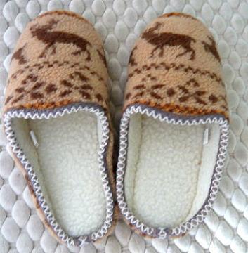 (e鞋院) [踏雪尋梅馴鹿]麂皮毛織室內拖鞋 (2雙395元)