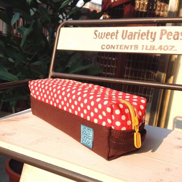 WaWu 吐司筆袋 / 筆袋, 工具袋,紙膠帶收納袋 (紅色點點)-服飾‧鞋包‧內著‧手錶-myfone購物