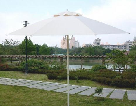 米白色玻璃纖維製九尺太陽傘 *1